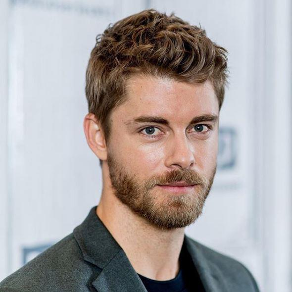 *Home and Away* hottie Luke Mitchell keeps it trimmed and tidy.