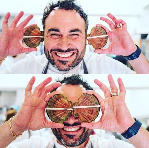We say Miguel's beard is *muy bien*!