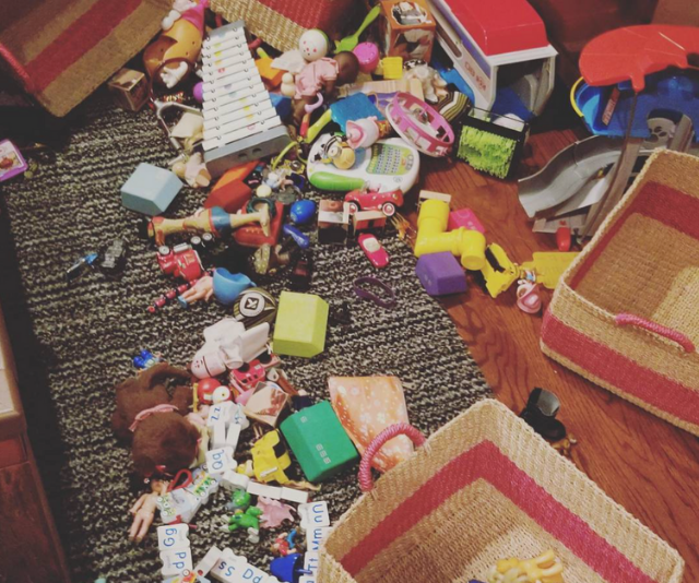 """Bell proves that even celebrity kids can break a parent, captioning this raw, real image with,""""This is a picture of both the floor of my house and the interior of my brain."""" *Image: Instagram/KristenAnnieBell*"""