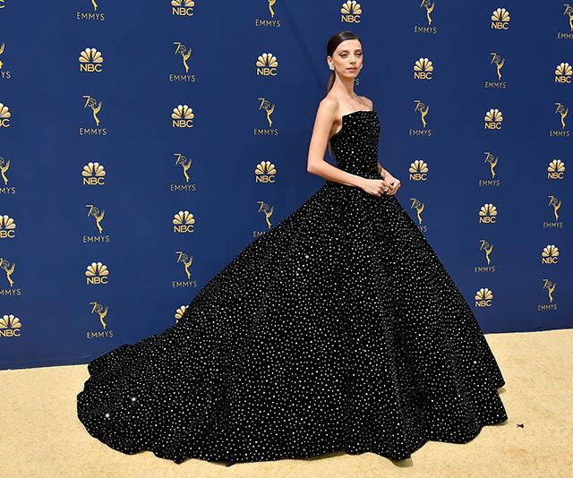 Angela Sarafyan's stunning black gown is a head-turner!