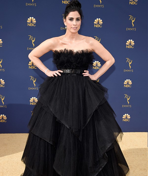 Comedian Sarah Silverman has all the trimmings in this black look.