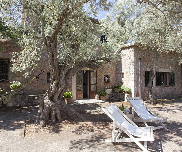 Villa Coco, a stunning country-side sanctuary. *(Image/Airbnb)*