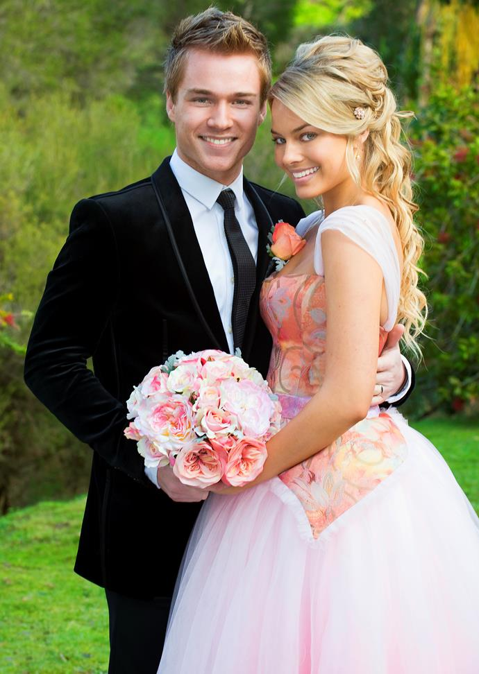 **RINGO & DONNA (2008-2010)**  **The star-crossed lovers made it work… eventually.**  The course of true love rarely runs smooth – especially in Ramsay Street. Donna Freedman (Margot Robbie) and Ringo Brown's (Sam Clark, both above) relationship was no exception. After meeting in a kissing booth, the pair had to deal with a love triangle with Zeke (Matthew Werkmeister), and Donna's fling with Andrew (Jordan Smith). Eventually they married, but grief soon followed as Ringo was hit and killed by Steph Scully (Carla Bonner) on her motorbike.
