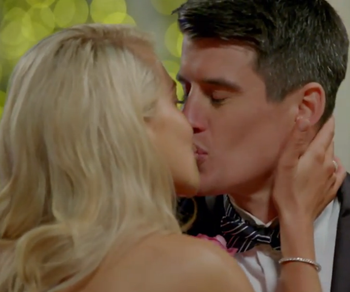 Ali kisses Bill on the lips FOUR times after she hands out the single rose. *(Image: Network Ten.)*