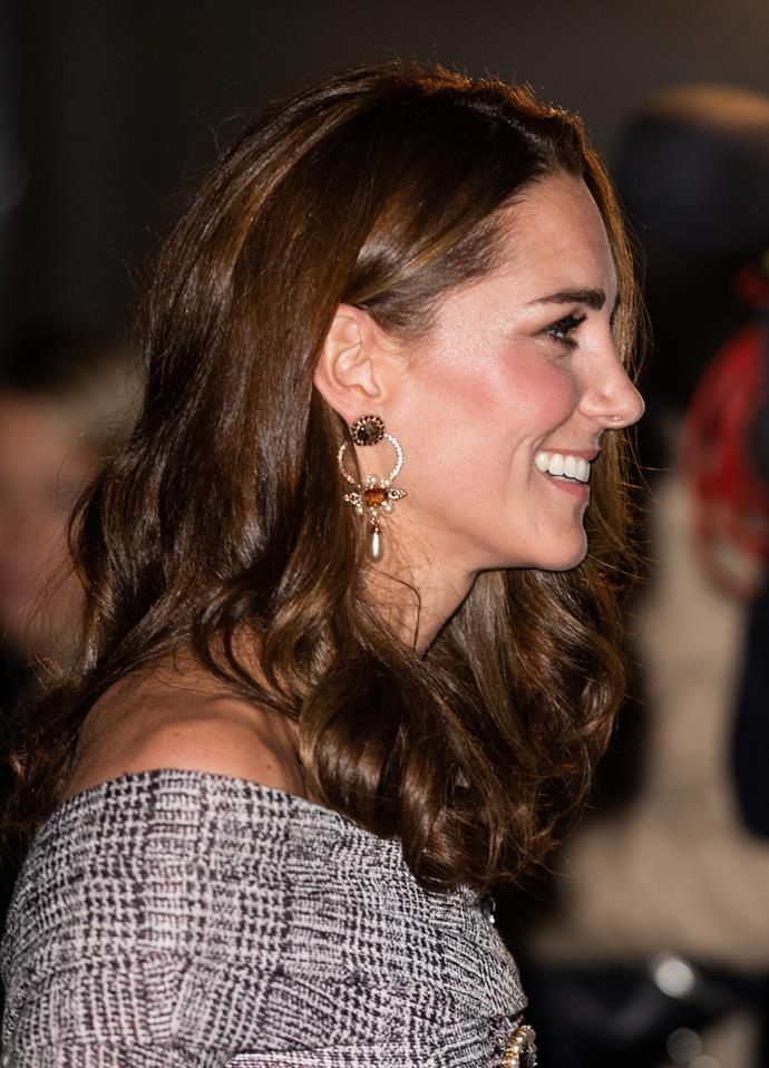 Kate added some shimmering details like these drop Erdem earrings to her look.