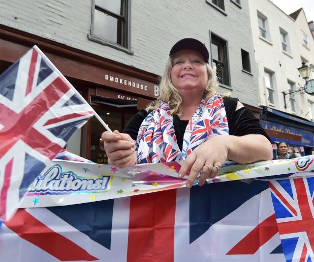 Royal fan Kerry Evans from Hull, UK, bags her spot in Windsor ahead of the wedding of Princess Eugenie to Jack Brooksbank at St George's Chapel at Windsor Castle. *(Source: Getty Images)*