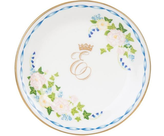 A piece from the official range of Princess Eugenie and Jack Brooksbank's Commemorative Wedding China *(Source: www.royalcollectionshop.co.uk)*