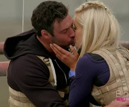 Charlie and Ali kiss on the first single date of the season. *(Source: Network Ten)*