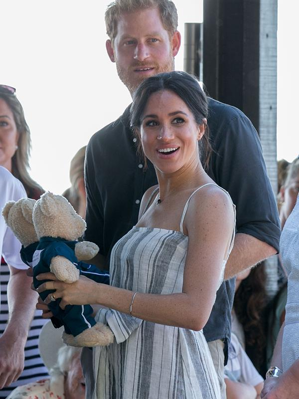 The Duke and Duchess were gifted with teddy bears. *(All images: Media Mode)*