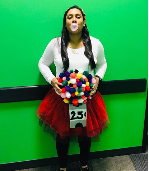 This sweet idea is totally amazing. It takes a special kind of person to think of turning a pregnancy bump into a gumball machine, but we're so glad they did! *Image: Instagram/@arya_isabel*