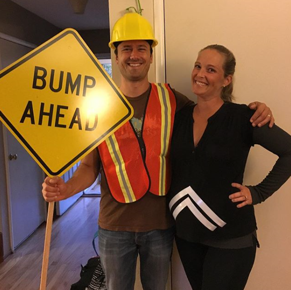 When you turn your bump into … well … a 'bump', perfection occurs. This could be one of the best couple costumes ever! *Image: Instagram/@jessicaclairpeixoto*
