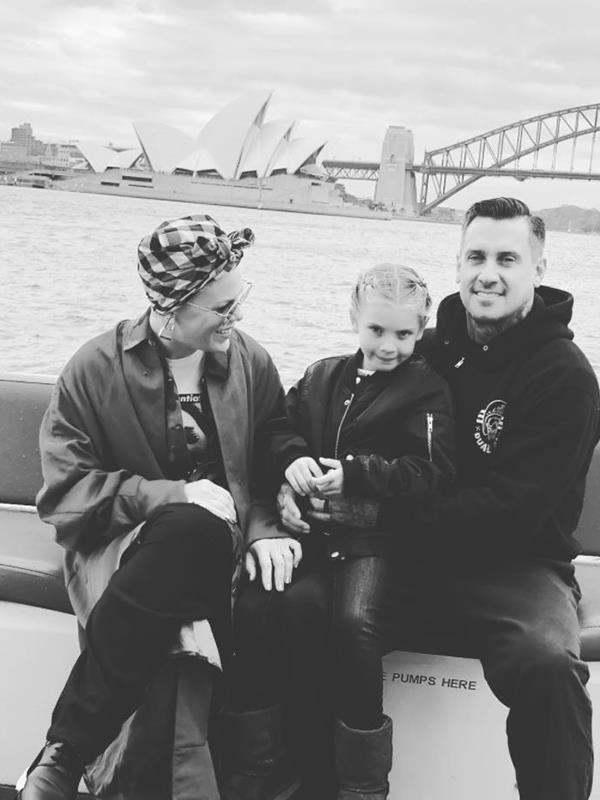 Taking in the Sydney sights in the best way with the best crew. *(Image: Instagram @pink)*