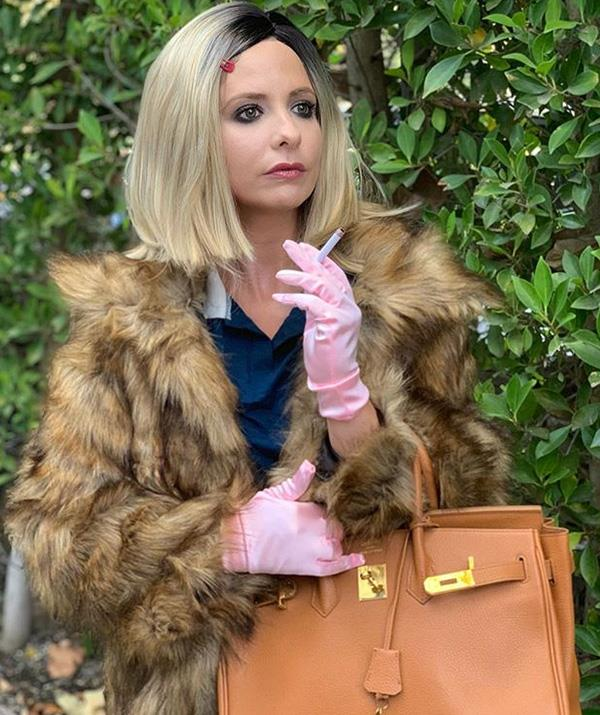 Sarah Michelle Gellar channelled Gwyneth Paltrow's character Margot Tenenbaum from Wes Anderson's *The Royal Tenenbaums* in this scarily accurate get-up. *(Image: Instagram: @sarahmgellar)*