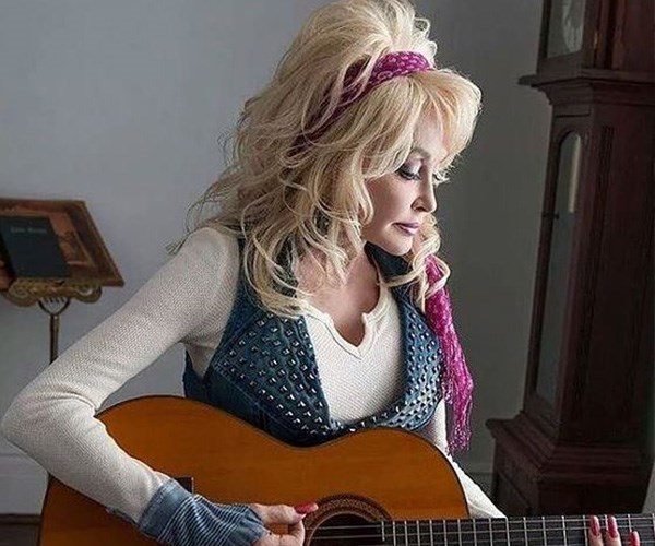 Dolly's partial hysterectomy meant she could no longer have children. *(Image: Instagram @dollyparton)*