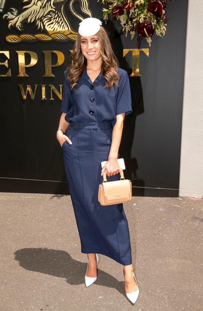 We love the 1940s inspired look, model Rebecca Harding wore! *(Source: Media Mode)