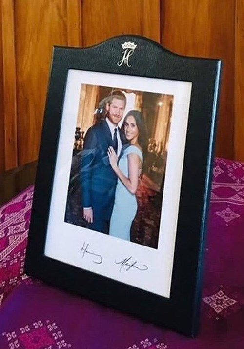 The much clearer image includes the newlyweds signatures. *(Image: Instagram / @meghan.harry_of.sussex)*