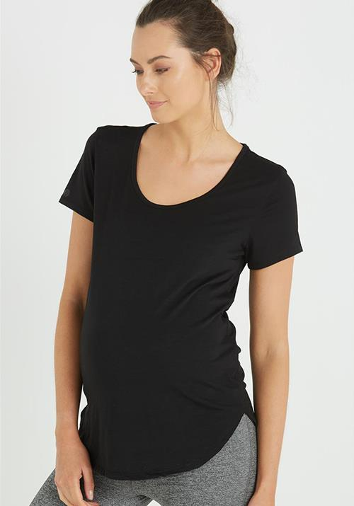 "This tee is available from [Cotton On](https://cottonon.com/AU/maternity-gym-t-shirt/9350486940897.html|target=""_blank""). RRP $19.95. *(Image: Cotton On)*"
