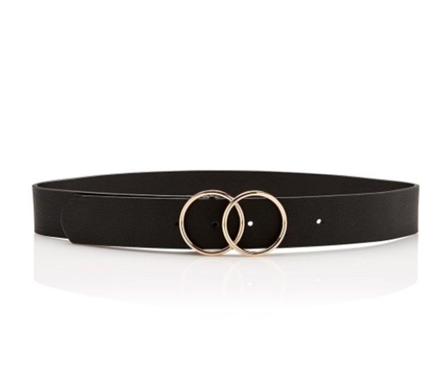 "This simple plain black belt from [Sportsgirl](https://www.sportsgirl.com.au/accessories/belts/savannah-double-ring-belt-black|target=""_blank""