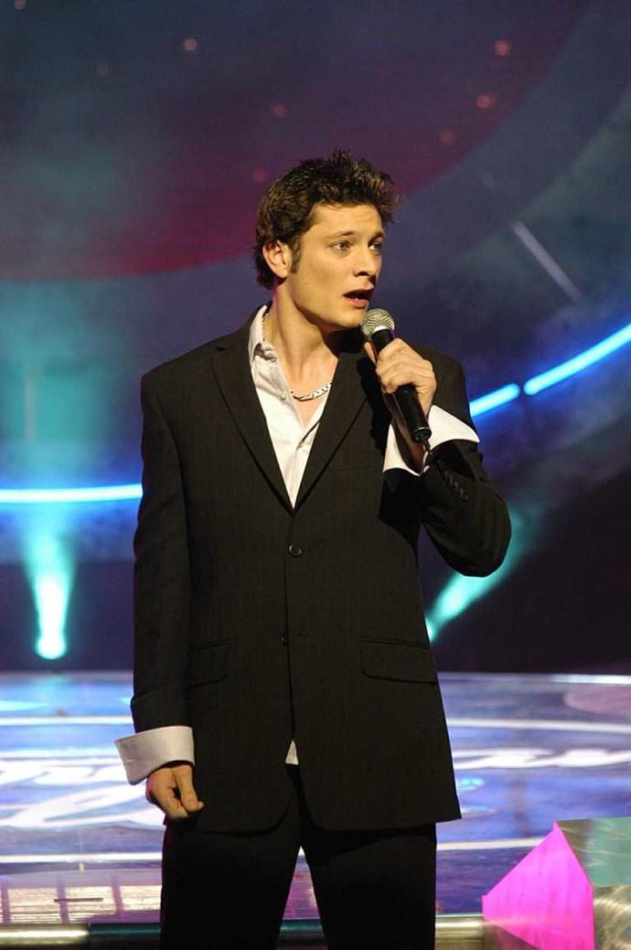 Rob Mills on *Australian Idol* in 2003.