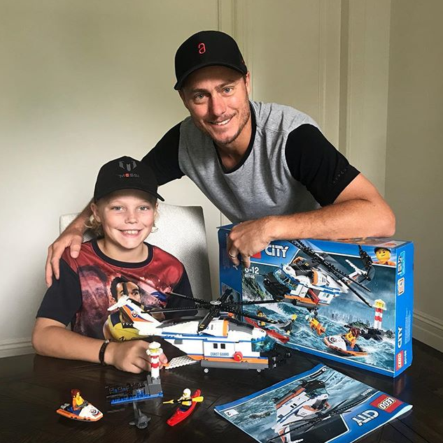 The father and son duo seem like the best of chums. *(Image: Instagram / @lleytonhewitt89)*