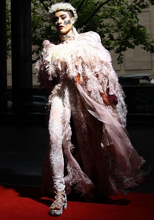 Singer-songwriter Montaigne, 23, sure knows how to make an entrance. *(Image: Getty)*