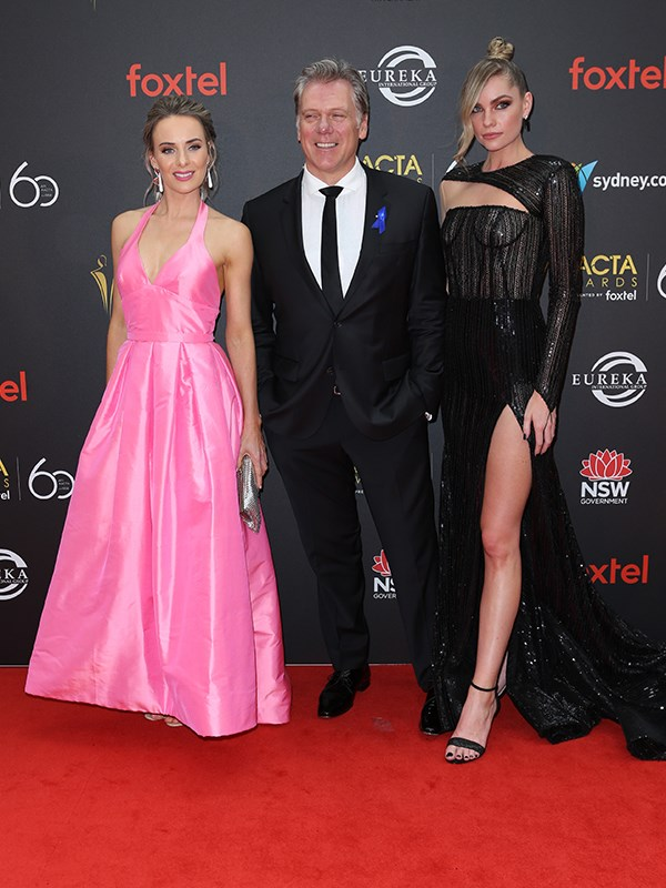 Erik Thomson with Emma Leonard (L) and Melina Vidler (R).  *(Image: Media Mode)*