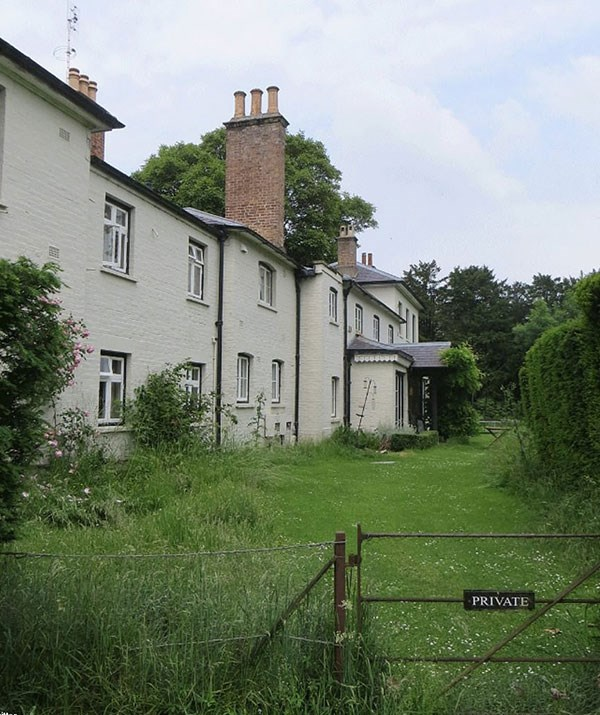 The 10-bedroom cottage, pictured, is currently undergoing extensive renovations in preparation for Meghan and Harry's move in the UK spring this year. *(Image: Twitter)*