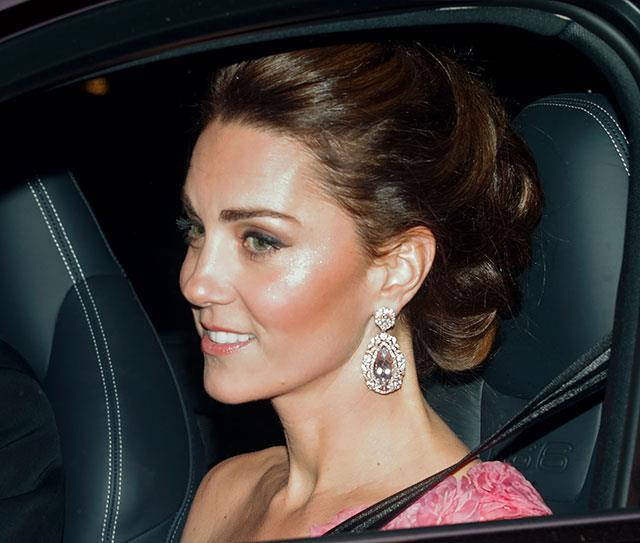 Kate Middleton was seen looking very glammed up as she entered Buckingham Palace for Prince Charles 70th birthday reception dinner. *(Image: Max Mumby/Indigo/Getty Images)*