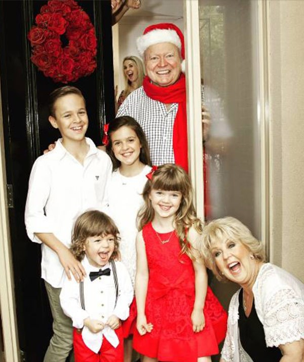"Australia's first family know how to take a very merry snap! We love seeing Bert and [Patti Newton](https://www.nowtolove.com.au/tags/patti-newton|target=""_blank"") celebrate the silly season with daughter Lauren and their four gorgeous grandchildren. *(Image: @laurenelisenewton Instagram)*"