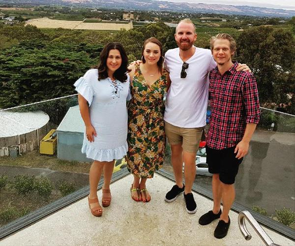 It's an *MKR* 2017 reunion! *(Image: Instagram @amyjeanmurr)*