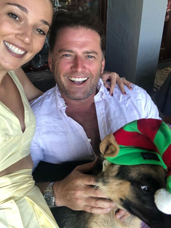 Now that's a cute Christmas photo! *(Image: Instagram @karlstefanovic_)*