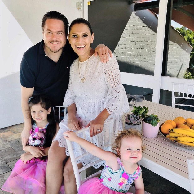 Pretty in pink! Sally Obermeder and her family look picture perfect! *(Image: Instagram @sallyobermeder)*