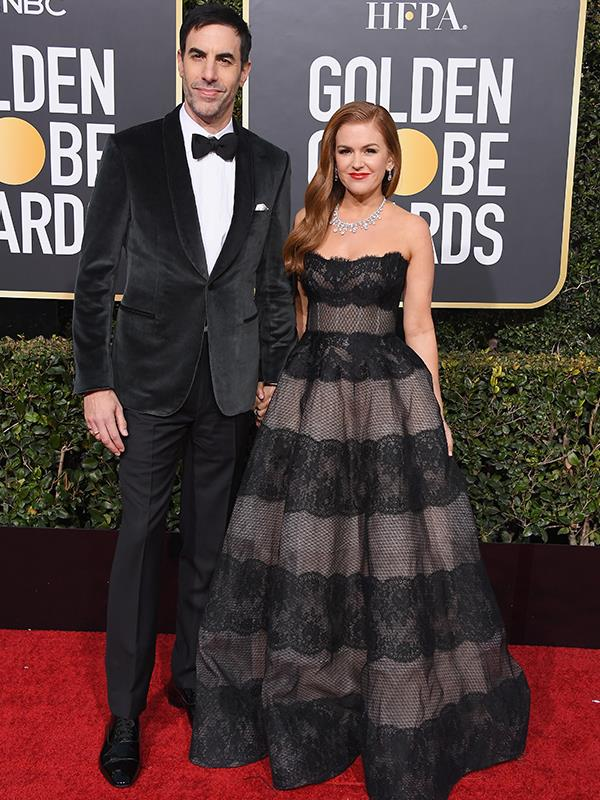 Aussie star, Isla Fisher has arrived on the red carpet with her comedian husband, Sasha Baron Cohen.