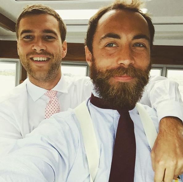 James has perfected the selfie pose. *(Image: Instagram /  @jmidy)*