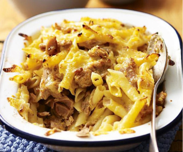 "***Tuna pasta bake:*** Comfort food doesn't get much quicker, easier or tastier than this tuna pasta bake. Perfect to make ahead and freeze in lunchbox sized portions. *You'll find the recipe [HERE.](https://www.womensweeklyfood.com.au/recipes/tuna-pasta-bake-8117|target=""_blank"")*"