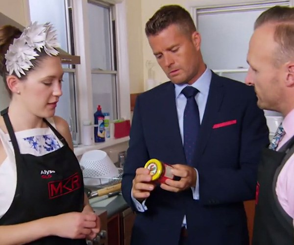 Note to self: Pete won't approve of store-bought curry paste. *(Image: Channel Seven)*