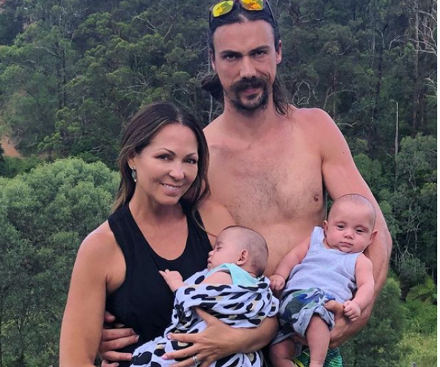 Tania and partner, Chris Rogers settle in to life as mum and dad of the snuggliest twins ever! *Image: Instagram/TaniaZaetta.*