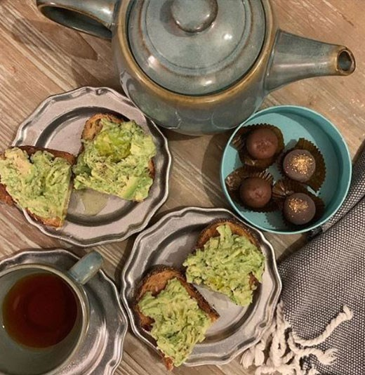 """The Duchess, aka the """"avocado whisperer"""", sure knows how to make a stunning spread. *(Image: @danielmartin Instagram)*"""