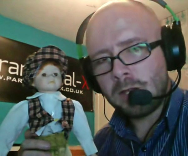 I made videos with the doll.