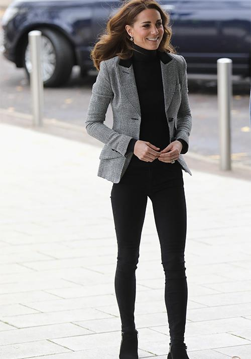Kate's black skinny jeans struck officewear gold when paired with her Smythe grey blazer and roll neck jumper. *(Source: Getty)*