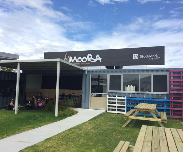"**Mooba, Calleya:** With dine in seating, outside grassed areas and kids play pit, Mooba is ideal for meeting friends and relaxing with the kids. *(Image: [Mooba](https://www.mooba.com.au/calleya|target=""_blank""))*"