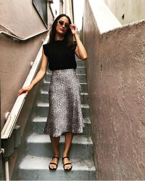 """Hello leopard print! Keep your top and shoes simple - this skirt will do all the talking. *(Image: Instagram / @[kohwoman](https://www.instagram.com/p/BrBPunhAq1k/