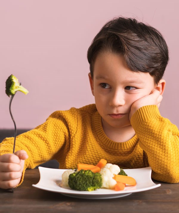 Reward charts can help encourage healthy eating. *(Image: Getty Images.)*