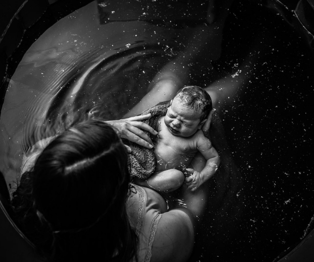 "1st Place Black and White - Cat Fancote. *Image: [Birth Becomes Her](https://www.birthbecomesher.com/2019-bbh-image-contest|target=""_blank""