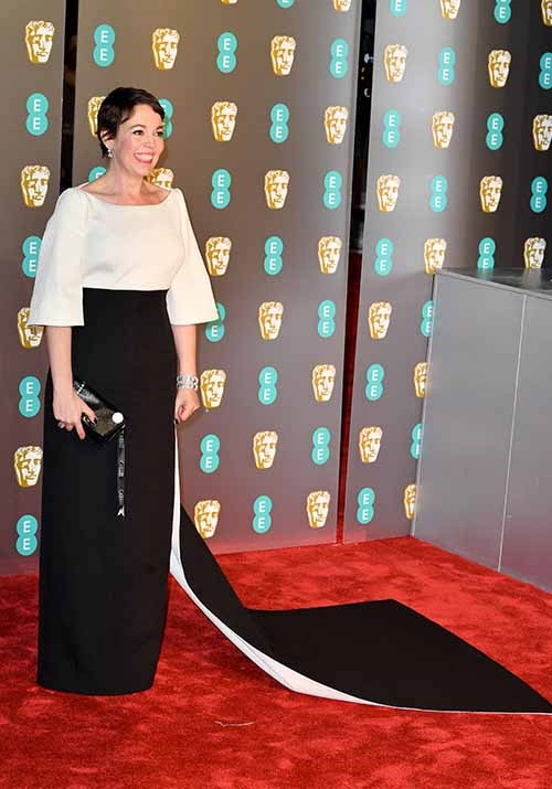 *The Crown* season three actress Olivia Colman oozed sophistication in this asymmetrical style. *(Image: Getty)*