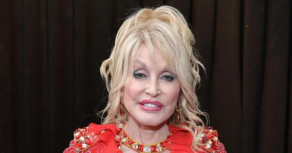Dolly Parton at 2019 Grammys in shocking red dress | Now To Love