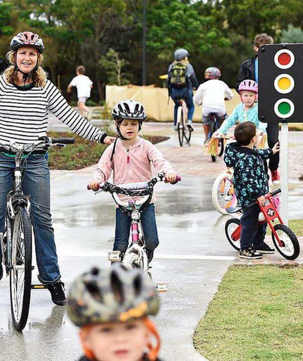 The cycling course in Sydney Park is ideal for bike riders who are still mastering this skill. *(Image: City of Sydney)*