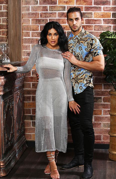 This time, the handsome teacher opts for a blue and gold silk number that is giving us major DJ Khaled vibes. *(Image: Channel Nine)*