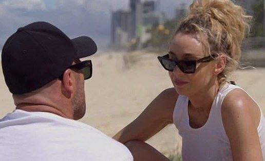 Heidi and Mike on a beach in the Gold Coast. *(Source: Channel 9)*
