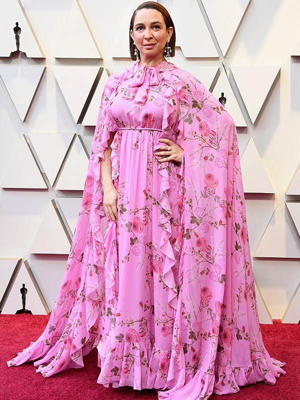 Topping off a trifecta of Hollywood's funniest femmes, Maya Rudolph is all pink (and all print!) as she takes the red carpet.